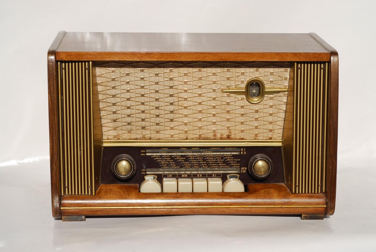 Kaiser Radio W131