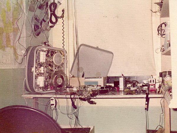1960: σε μια γωνιά του δωματίου μου.