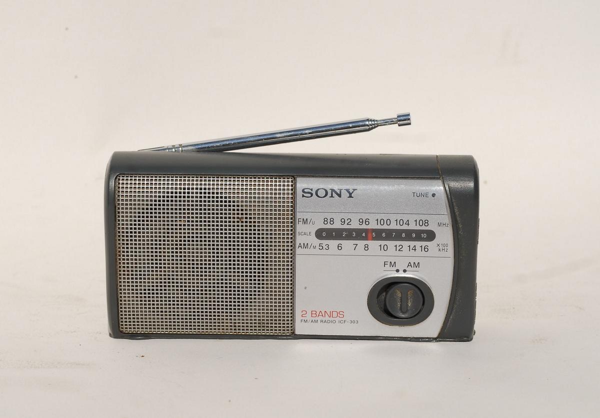 Sony ICF 303