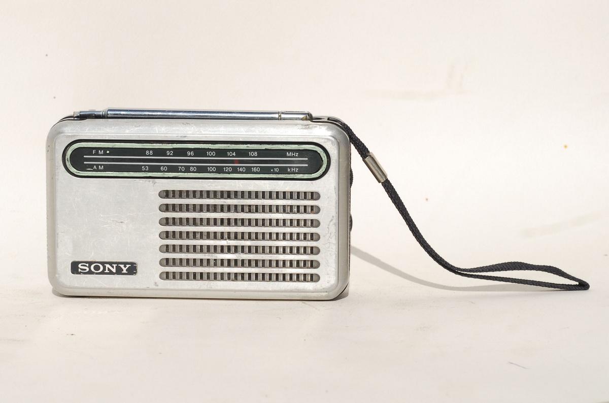 Sony TFM 6100W